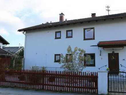 Erstbezug nach Sanierung mit Balkon: hübsche 3-Zimmer-Wohnung in Wolfratshausen