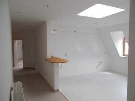 Falkenstein: individuell und hell, Du./Wa./sep.WC, offene Küche, dazu ein Stellplatz