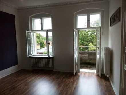 Kiezwohnen - Südstern - 4 Zimmer - Stuckaltbau - Wannenbad - Balkon - ca. 127 m² - 1.819 € warm