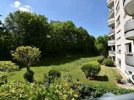 Orplid: Frisch renovierte 4,5 Zimmer Mietwohnung mit sonnigem Balkon
