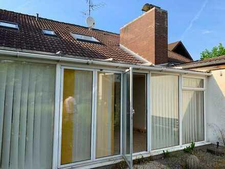 Freundliche 165qm 4-Zimmer-Immobilie mit großen Garten, Kamin und Sauna in Ahlten bei Hannover