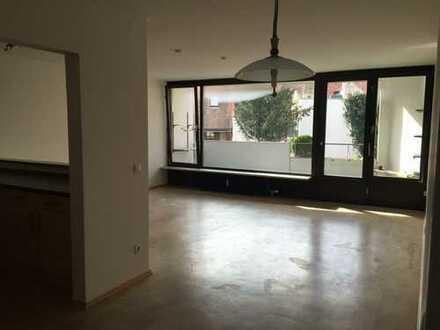 Freundliche 3-Zimmer-Wohnung mit Balkon und Einbauküche in Ingolstadt-Altstadt