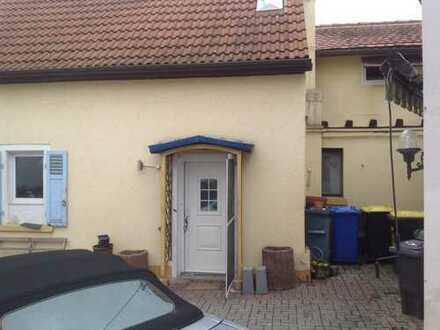 Einfamilienhaus mit zwei bewohnbaren Nebengebäuden in Hamm zu verkaufen