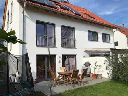 Von Privat: Sehr schöne Doppelhaushälfte in 85386 Eching-Dietersheim