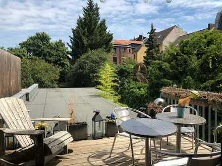 Vollständig renovierte 2-Zimmer-Wohnung mit Dach-Terrasse in Bayenthal, Köln