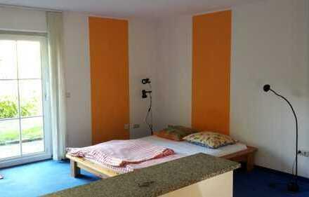 Vollständig renovierte 1-Zimmer-Erdgeschosswohnung mit EBK in Marktrodach
