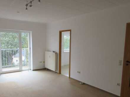 Wohnung mit Balkon und Ausblick in Oberlungwitz