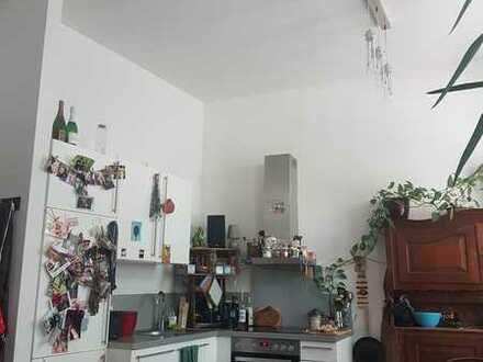 Moderne 1,5-Zimme-Wohnung mit Balkon und Einbauküche in Aachen