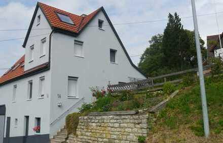 Schöne Aussicht mit sechs Zimmern in Esslingen (Kreis), Kohlberg