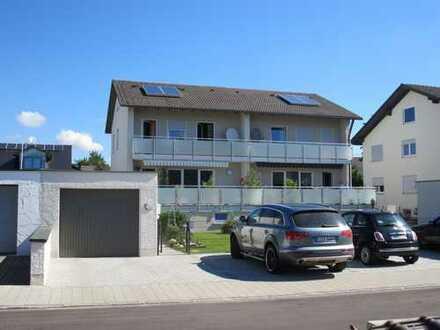 Renovierte Doppelhaushälfte (z. B. 3-Fach Verglasung)