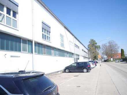 Produktionsflächen mit Einzelbüros, Lagerflächen, Lastenaufzug und Parkflächen