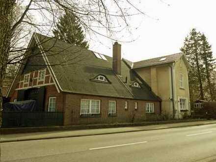 GROSSZÜGIG – URSPRÜNGLICH – VIELSEITIG! Restauriertes Häuser-Ensemble in den Hamburger Elbvororten
