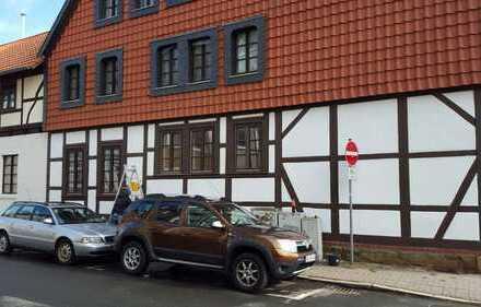 Helle 4-Zi Wohnung mit Jugendstildecke im Raabe-Haus, City, kernsaniert