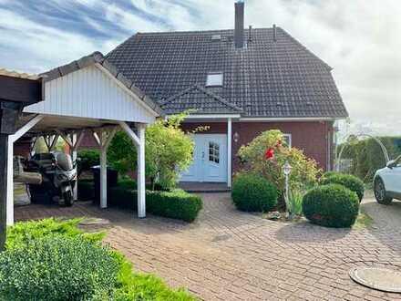 Attraktives und großzügiges Wohnhaus in ruhiger Lage, 23714 Bad Malente