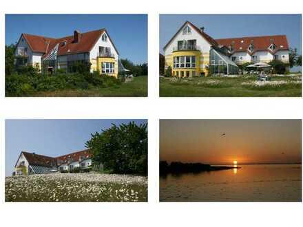 Hotel auf Rügen mit Traumblick auf den Kleinen Jasmunder Bodden