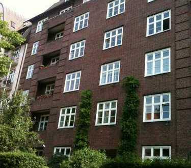 Stilvolle Wohnung im Stadtteil Rotherbaum, Teilnutzung als Büro/ Praxis möglich