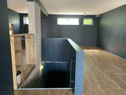 Erdgeschoss: Geschäftsfläche mit Kellerlagerfläche!!