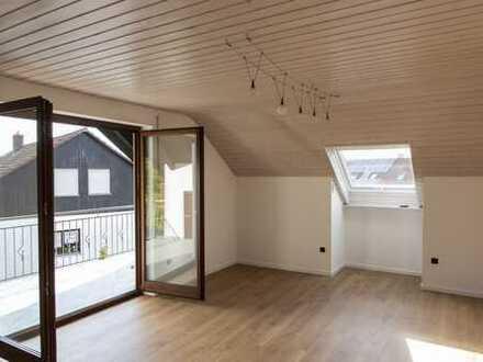 Erstbezug nach Sanierung: schöne 2,5-Zimmer-DG-Wohnung mit EBK und Balkon in THIERHAUPTEN
