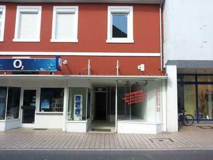 Ladengeschäft oder Bürofläche in TOP Lage mit grosser Schaufensterfront und zusätzlicher Werbefläche