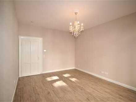 Wunderschöne 3-Zimmer-Altbau-Wohnung, hell, stilvoll saniert