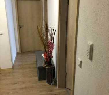 Exklusive 3-Zimmer-Wohnung mit eigenen Garten, Terasse und EBK in Gaimersheim