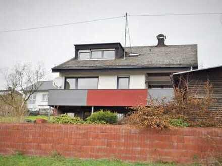 Kreuztal OT Junkernhees, sonnig gelegenes, solides EFH Bj.78 mit viel Platz und hübschem Garten