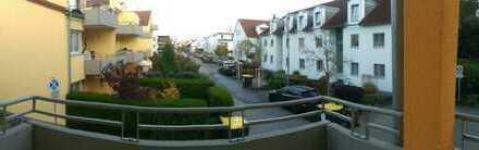 Kleine, aber gepflegte 2-Zimmer-Wohnung mit Balkon und EBK in Gersthofen
