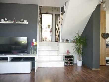 Helle, gepflegte 3,5-Zimmer-Wohnung mit 2 Balkonen von Privat in Ehningen