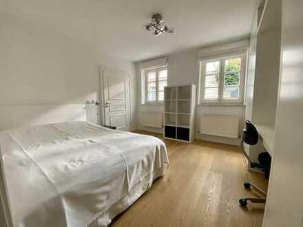 Haidhausen Max-Weber-Platz: Möblierte Zweizimmer-Wohnung