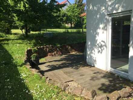 Wunderschöne 5-Zimmer-Wohnung mit Terrasse und Garten in Zweifamilienhaus in Kindenheim