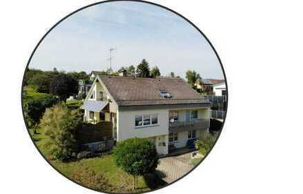 Hauscharakter: 3 Zimmer Wohnung mit separatem Gästebereich und FEINEM Garten!