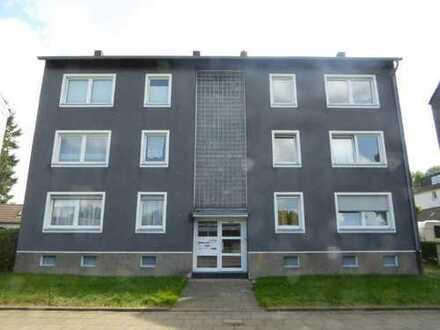 Renovierte 2,5 Raum-Wohnung im 2.OG.