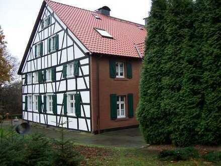 helle u.moderne 117 m² Whg. im Landschaftsschutzgeb. mit Privatstr. nur für Anlieger