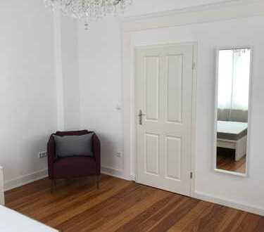4 WG Zimmer voll mobliert in einer schönen Altbauwohnung mitten in Landau