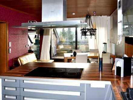 Einziehen und sich wohl fühlen – in der modernen und hellen 4-Zimmer-Wohnung mit Loggia