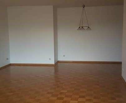 ..und Knoops Park ist soo nah.. Helle 3 Zimmerwohnung mit Tiefgaragenstellplatz in Bremen-St. Magnu