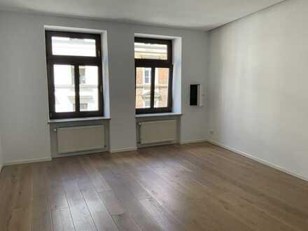 Großzügige 2-Zimmer-Wohnung mit Balkon in zentraler Lage im Glockenbachviertel