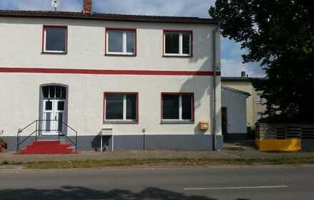 4 Wohnungen - 245m² Wfl. + Nebengebäude - auch eine gute Anlageimmobilie!