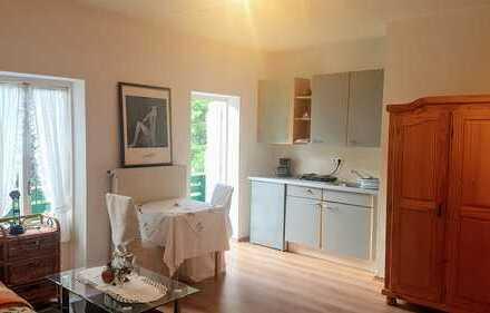 Apartment in idyllischer Lage, vorzugsweise an Frau ab 40J. zu vermieten!