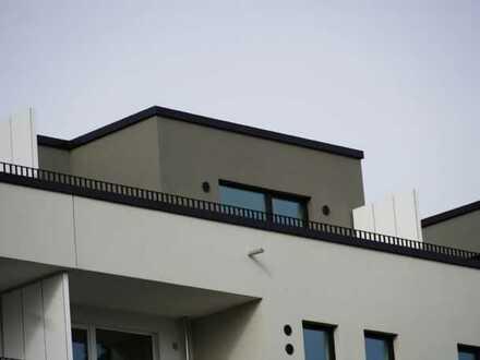 Erstbezug mit Einbauküche und Balkon: ansprechende 4-Zimmer-Penthouse-Wohnung in Ahrensburg