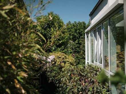 Freistehendes Haus in schöner Lage mit Galerie und großem Garten
