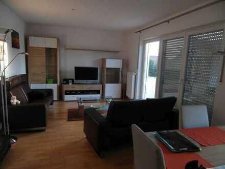 Lichtdurchflutete, ruhige 3-Zimmer-Whg. mit 2 Balkonen und Garage/Stellplatz
