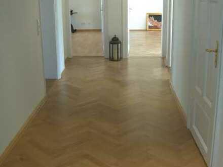 Erstbezug nach Sanierung: zentral gelegene 5-Zimmer Wohnung in Stadtvilla nahe Hofgarten