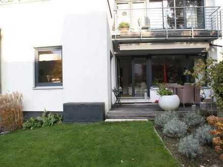 Gepfl. 4 Zi. Whg., top Lage v. Mögeldorf, im EG 115 m² Wfl. mit gr. Garten, Terrasse, Ebk, Garage