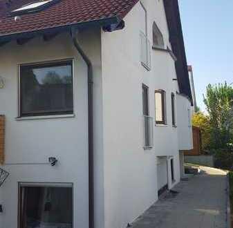 Schönes Haus mit sechs Zimmern in Nürtingen-Oberensingen