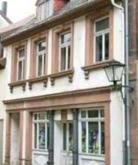 Stilvolles und geräumiges Wohn/Geschäftshaus mit zehn Zimmern in Ottweiler