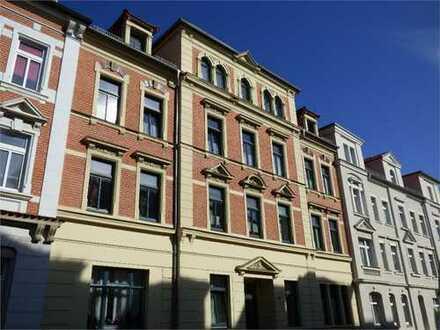 Schöne 2-Zimmer-Wohnung mit Balkon im Hochparterre