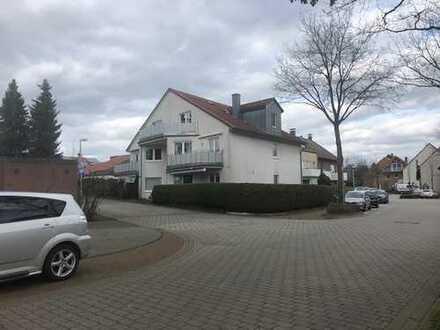 Neuwertige 3 Raum-Dachgeschosswohnung mit Balkon und Einbauküche in Datteln