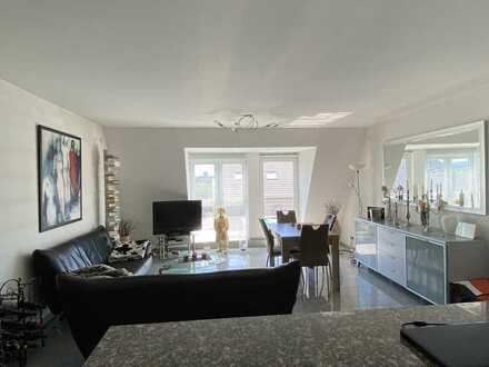 Helle 2-Zimmer-Wohnung in Bonn-Beuel-Geislar mit Sonnenbalkon, Fußbodenheizung, Granitboden, offene