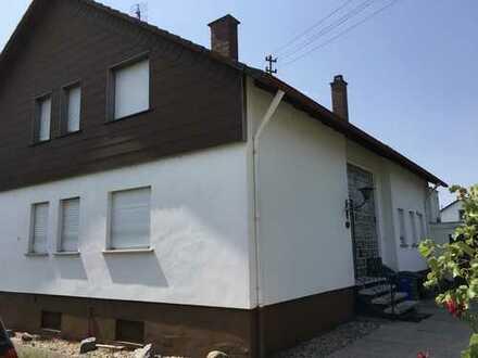 Großzügiges, freistehendes Haus in ruhiger Wohnlage